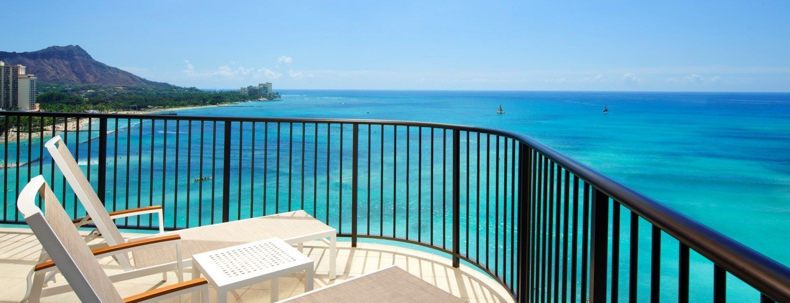 Tower Premier Ocean Front Suite